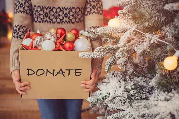 weihnachten spenden. - vorbau dekor stock-fotos und bilder