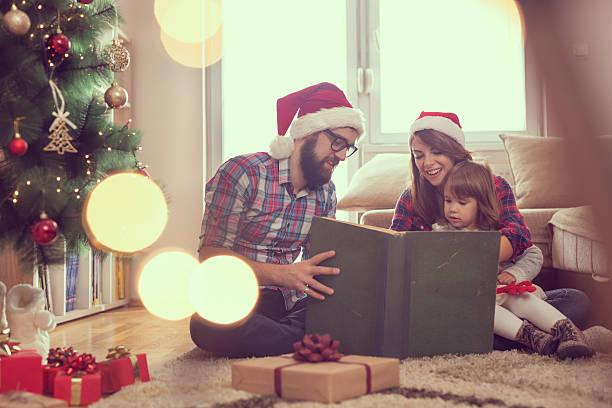 weihnachten märchen - nikolaus geschichte stock-fotos und bilder