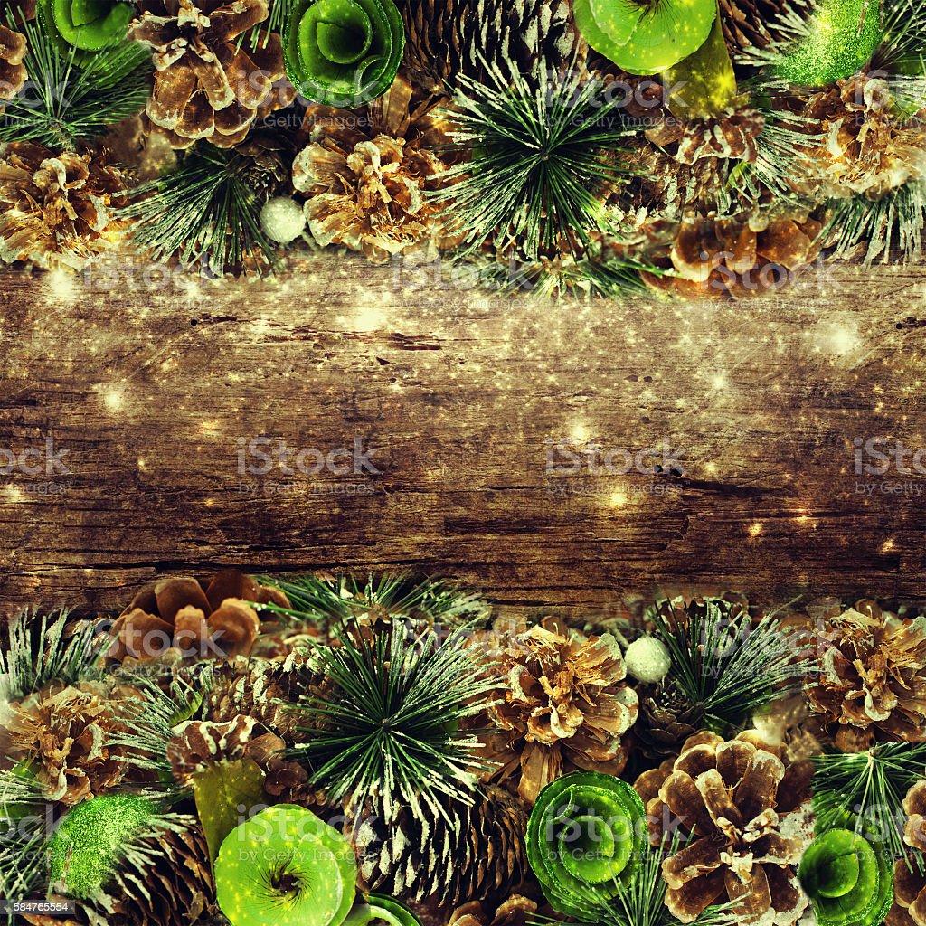 Tannenarten Weihnachtsbaum.Weihnachten Tannenarten Mit Dekoration Auf Dunklem Holzboard