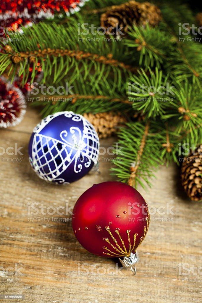 Tannenarten Weihnachtsbaum.Weihnachten Tannenarten Mit Pinecones Und Dekorationen Stockfoto Und