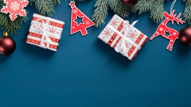 Christmas frame border with fir tree branches red wooden decorations picture id1185256777?b=1&k=6&m=1185256777&s=612x612&w=0&h=12te1lxl9widtcp5eklnb0pvikcvxyqldtkaccicrjc=