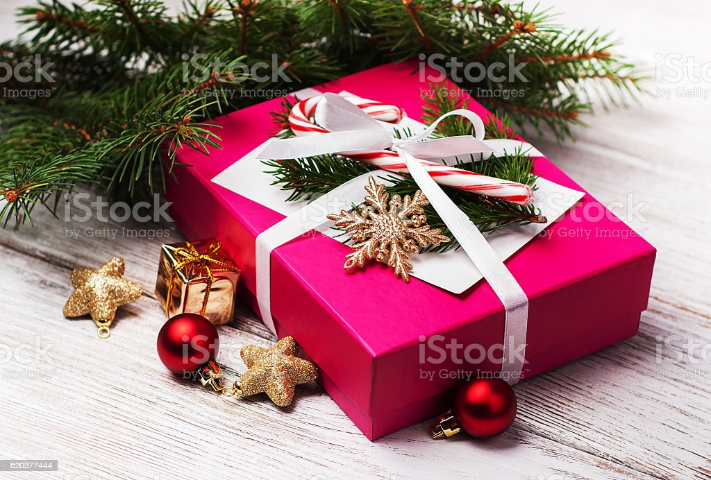 christmas gift box and decorations foto de stock royalty-free