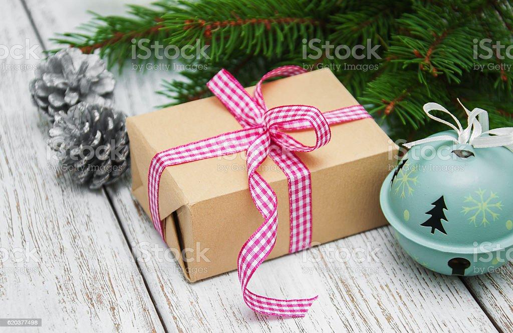christmas gift box and decorations zbiór zdjęć royalty-free