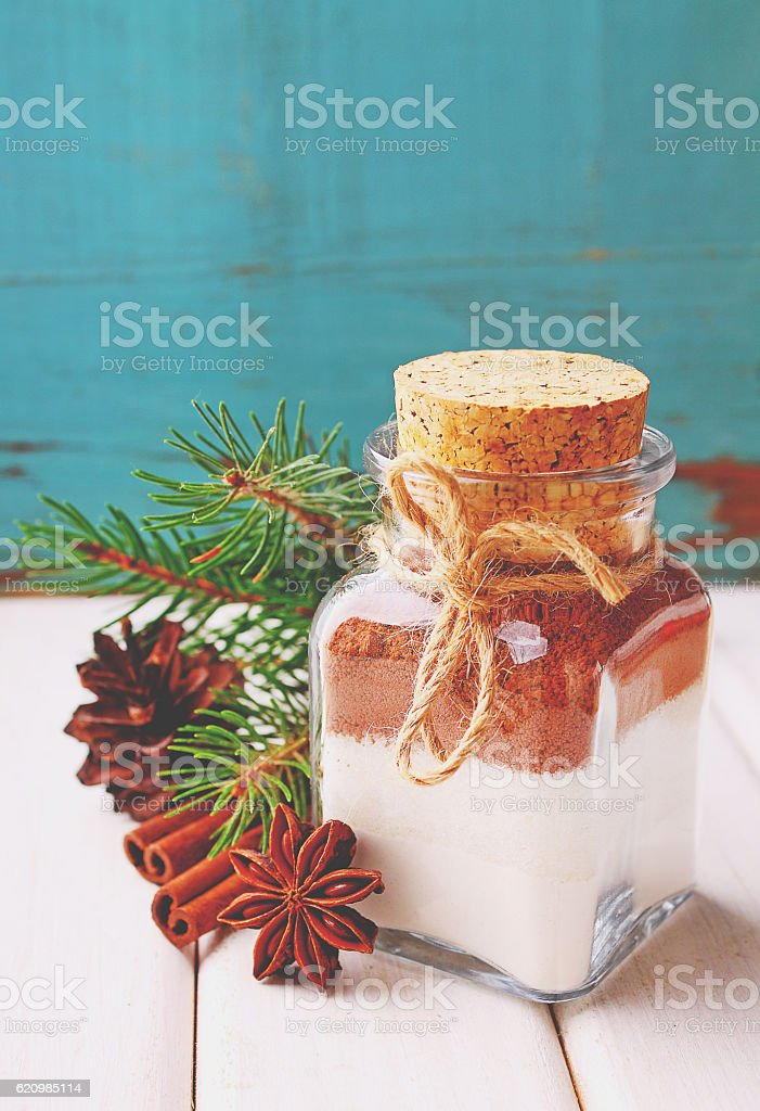 Christmas gift dry mix in a jar for cake foto royalty-free