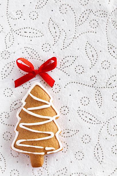 Weihnachten Ingwer Tannenarten auf weiss dekorativen Hintergrund. – Foto