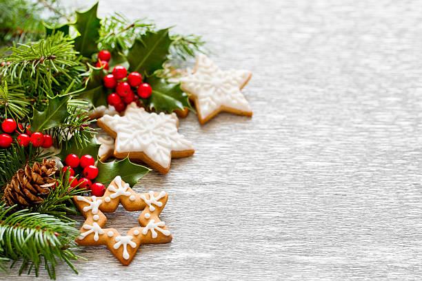 Weihnachten Lebkuchen und holly branch Dekoration – Foto