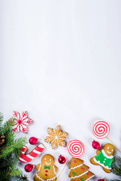 christmas gingerbread cookies - christmas cookies stock pictures, royalty-free photos & images