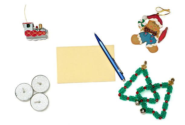 weihnachten lebkuchen, zug, bäume und kerzen mit begrüßung, ca - marinekuchen stock-fotos und bilder