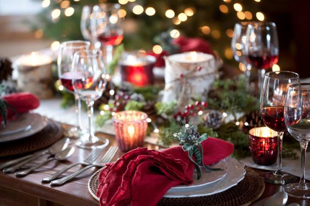 Christmas holiday dining picture id1063527678?b=1&k=6&m=1063527678&s=612x612&w=0&h=pv 4kb9yjbaxetqfmvjtljbnvgnwilsdxtftkbhzepo=