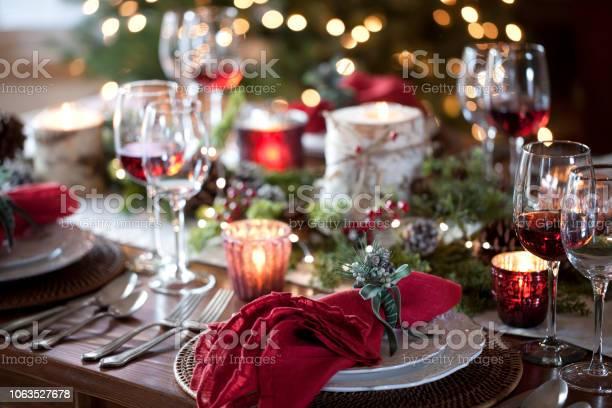 Christmas Holiday Dining - Fotografie stock e altre immagini di Ago - Parte della pianta
