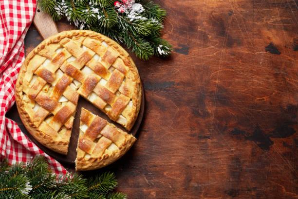 kerst vakantie wenskaart met appeltaart - taart stockfoto's en -beelden