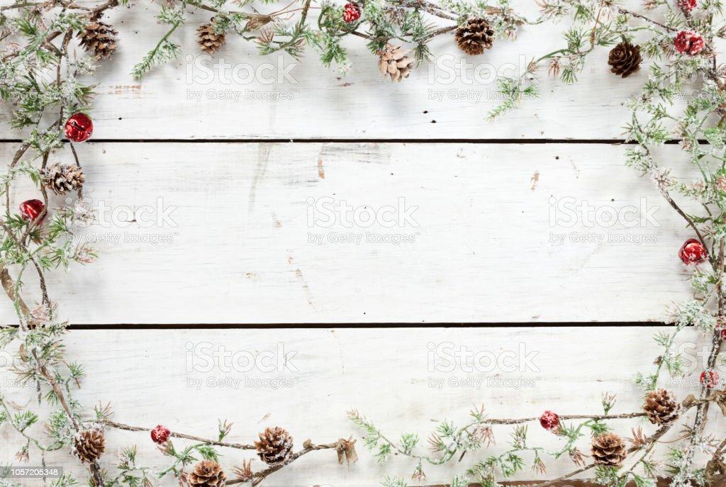 Weihnachten Urlaub Kiefer Kranz Girlande Holz Hintergrund – Foto