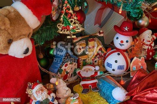 858960516 istock photo Christmas Home Decor 898586242