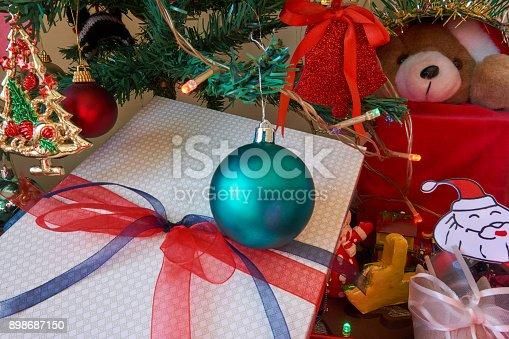 858960516 istock photo Christmas Home Decor 898687150