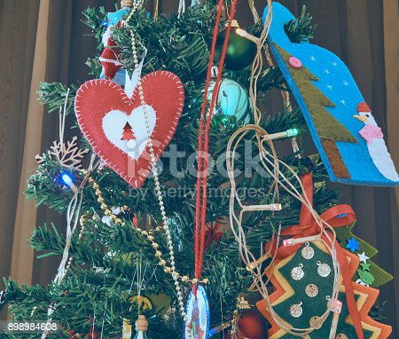 858960516 istock photo Christmas Home Decor 898984608