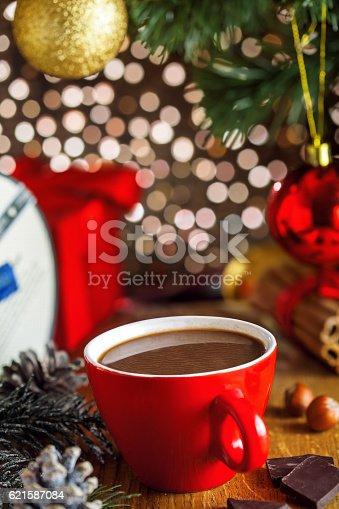 istock Christmas hot chocolate drink 621587084
