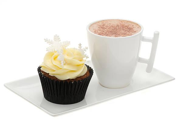 weihnachten eiszapfen cupcake mit einer heißen schokolade - heiße schokoladen cupcakes stock-fotos und bilder