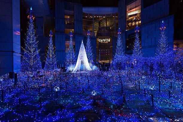 weihnachten beleuchtung in japan - weihnachten japan stock-fotos und bilder
