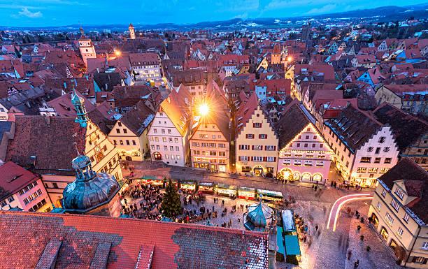 christmas in rothenburg ob der tauber - rothenburg stockfoto's en -beelden