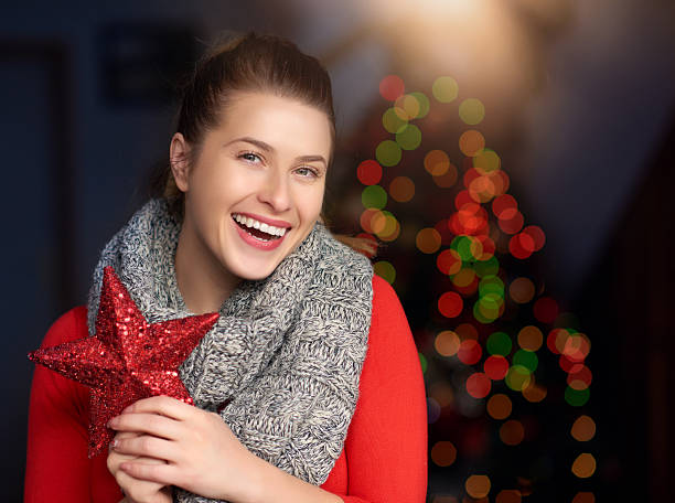 weihnachten ist meine lieblings-urlaub - schal mit sternen stock-fotos und bilder