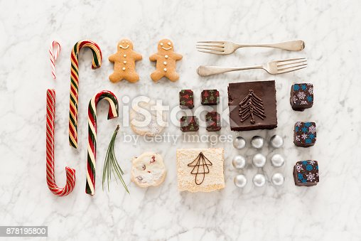 istock Christmas Knolling, Candy Canes, Chocolates, Candy, Shortbread, Baking, Gingerbread Man 878195800