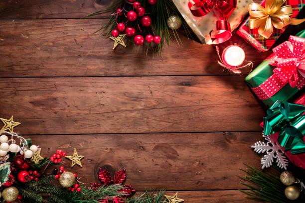 クリスマスライトとコピースペースとフレームを作るプレゼントと装飾。クリスマスのテーマ。 - クリスマス ストックフォトと画像