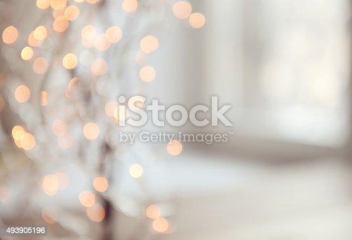 istock Christmas lights Defocused 493905196