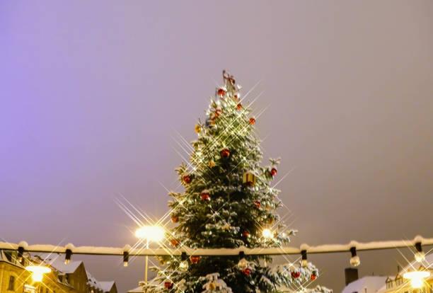 Christmas Market Erlangen Bavaria Christmas Tree Night Snow erlangen stock pictures, royalty-free photos & images