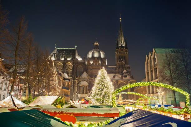 Weihnachtsmarkt in Aachen, Deutschland – Foto