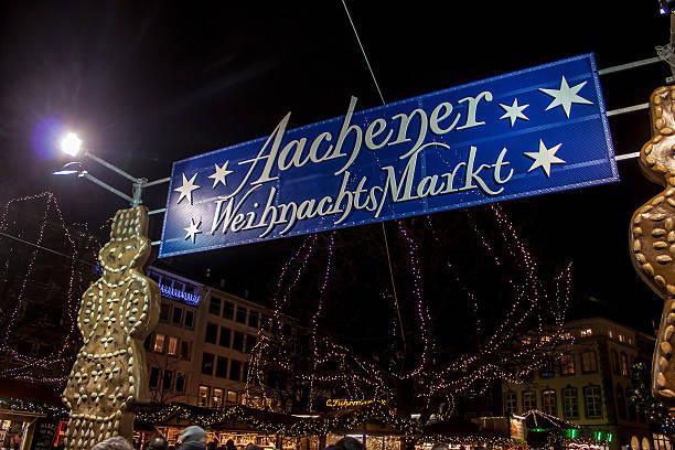 weihnachtsmarkt in aachen - aachen stock-fotos und bilder