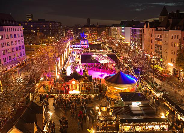 weihnachtsmarkt in köln, deutschland - köln stock-fotos und bilder