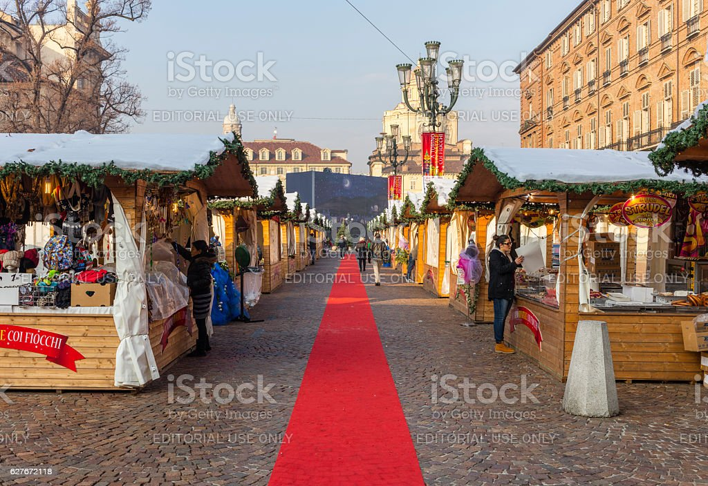 Christmas market in Piazza Castello. Turin. Italy. - foto stock