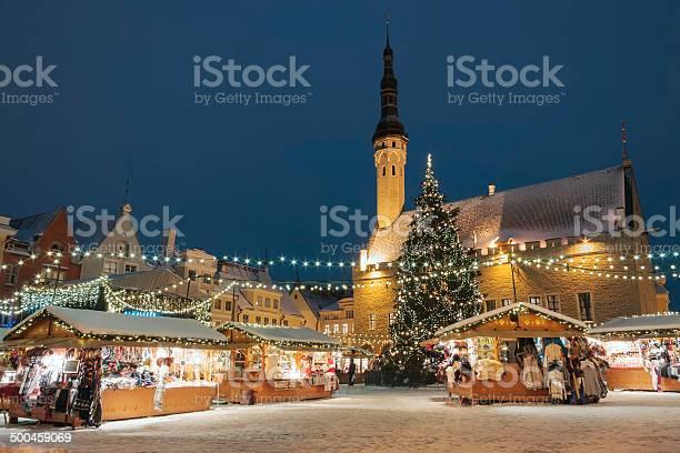 Christmas market in tallinn estonia picture id500459069?b=1&k=6&m=500459069&s=612x612&h=4awe4 ztuanebgbz7yt h85qdskgllwvu2vilemouiw=