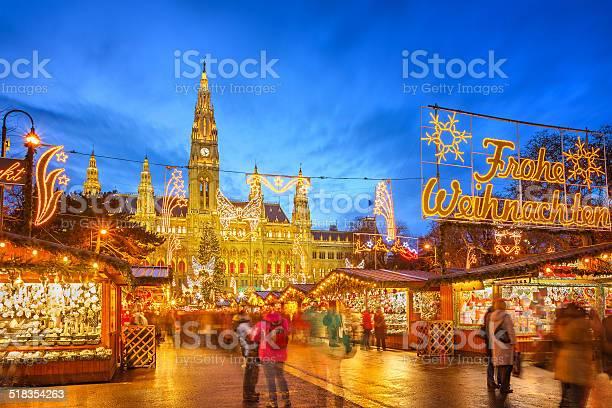 Christmas market in vienna picture id518354263?b=1&k=6&m=518354263&s=612x612&h=bnwbblvwkyl1t6vo9mwneetvqlfajmpckaab9txjwxe=