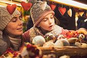 istock Christmas market - vintage look 619505814