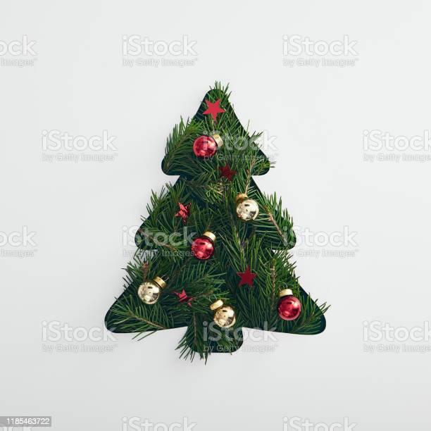 Christmas minimal concept picture id1185463722?b=1&k=6&m=1185463722&s=612x612&h=kqcdnwrrneknzywerddveh0jvgtiw15lquxjdmqymtc=
