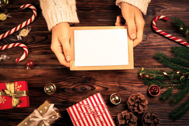weihnachten-mood-konzept. festlichen hintergrund für einen winterurlaub. - gutschein weihnachten stock-fotos und bilder