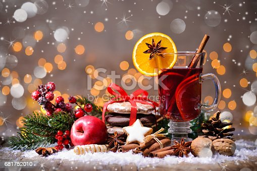 istock Christmas mulled wine 681752010