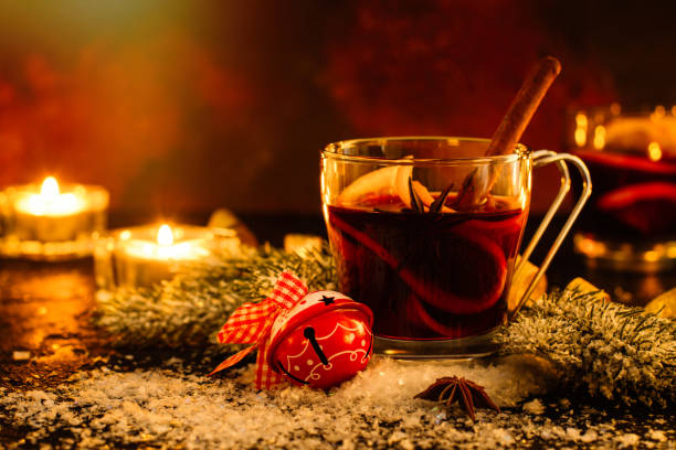 weihnachten glühwein - apfelweinkuchen stock-fotos und bilder
