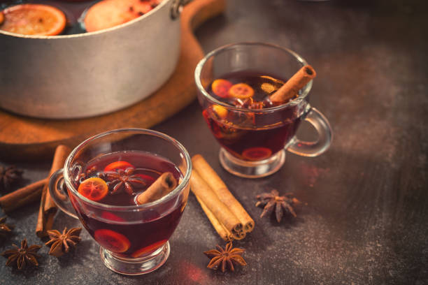 christmas mulled wine - mulled wine stock photos and pictures
