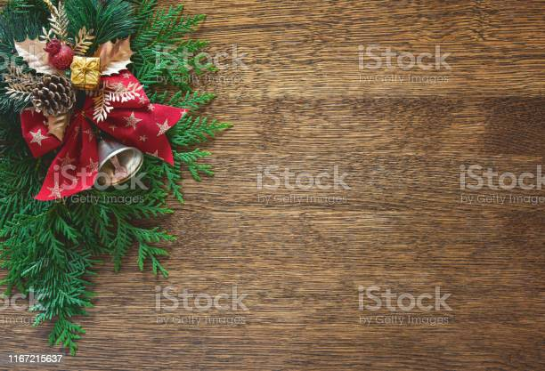 Christmas natural flat lay background with blank space for a greeting picture id1167215637?b=1&k=6&m=1167215637&s=612x612&h=k6o8s7ye0knrpsgjstdhapbf1wdtjnmbjyudk4m vl0=