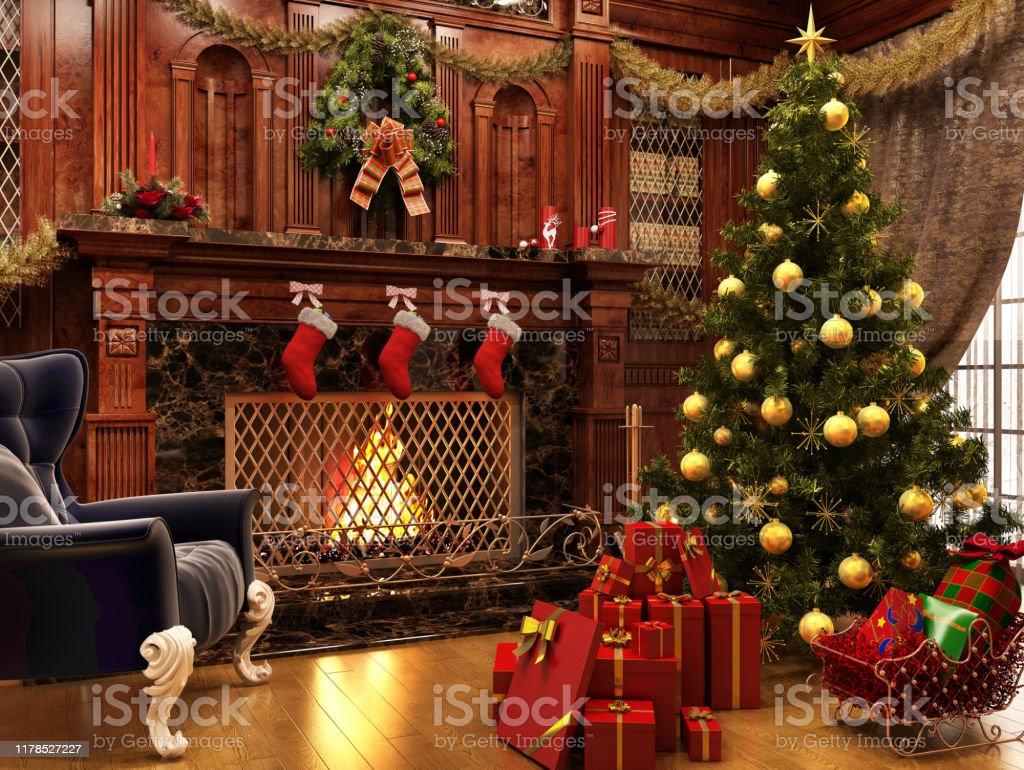 Weihnachten in der Nähe eines schönen Kamins und viele Geschenke - Lizenzfrei Abenddämmerung Stock-Foto
