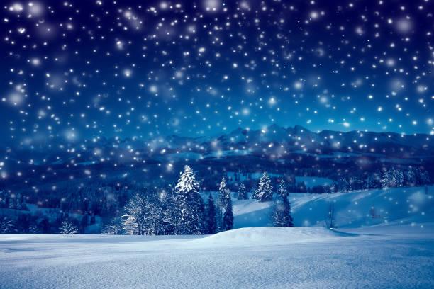 christmas night with snowfall - background christmas snow imagens e fotografias de stock