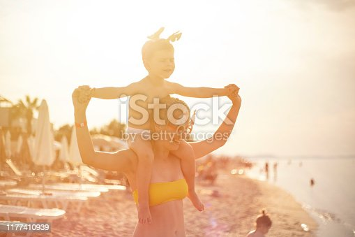 istock Christmas On The Beach 1177410939