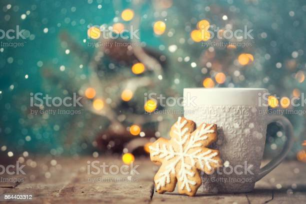 Christmas or new year composition with cocoa marshmallows gingerbread picture id864403312?b=1&k=6&m=864403312&s=612x612&h=ix9xjkhclgmupdjokhhnnmbvj6vqljfck ofqewer4c=