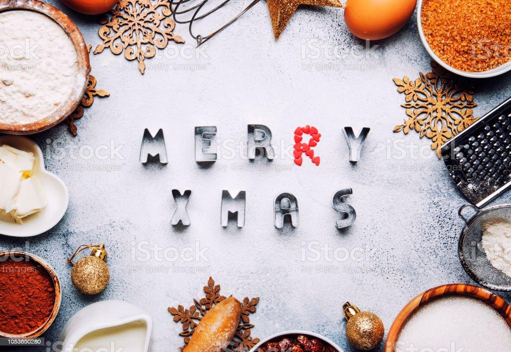 재료 베이킹 또는 쿠키, 골든 눈송이와 크리스마스 또는 새 해 구성 스톡 사진