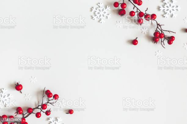 Christmas or winter composition snowflakes and red berries on gray picture id1183034926?b=1&k=6&m=1183034926&s=612x612&h=lhwhnoyvnxlnyxxtj8oi4lhhizsuthuzdrqo9l2ds5c=