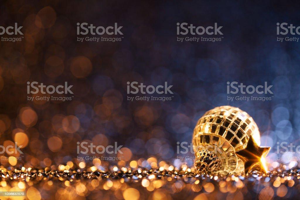 Weihnachtsfeier Dekoration.Weihnachtsfeier Blaue Gold Dekoration Unscharf Gestellt Bokeh