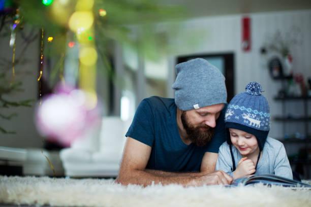christmas-englische redewendung - geschichten für kinder stock-fotos und bilder