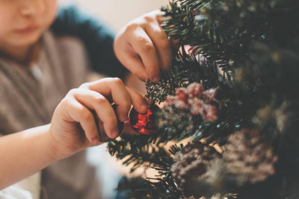 christmas-englische redewendung - weihnachtlich dekorieren stock-fotos und bilder